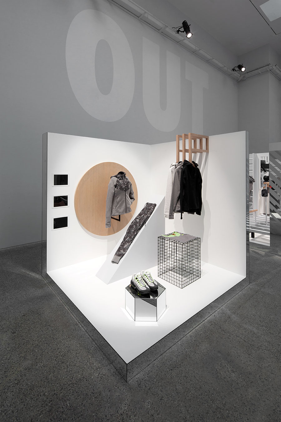 NKS_HO15_Sportswear_02-coordination-asia-design-agency-firm-nike-studio-bejing-popup-exhibition-retail