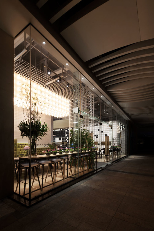 Gaga Cafe in Shenzhen's Wongtee Plaza, designed by Shanghai agency COORDINATION ASIA.
